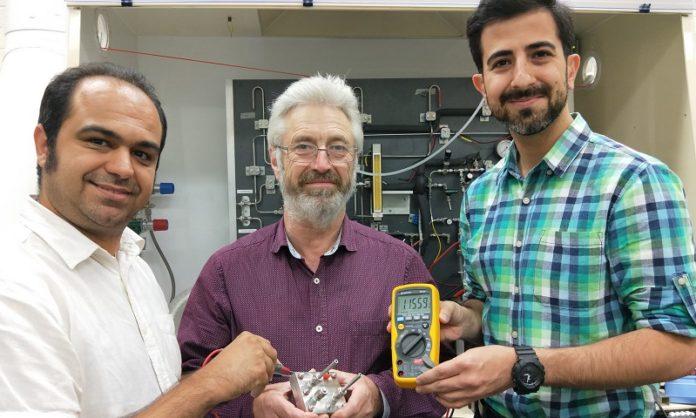 Батарея протон - углерод вместо лития