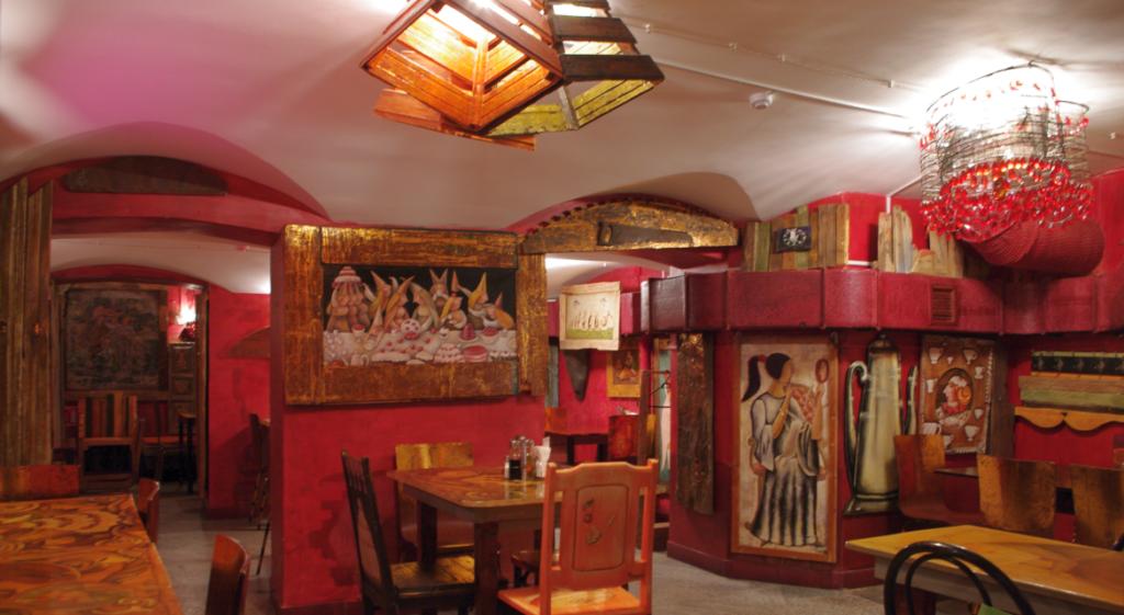 обеденный зал помещения под общепит