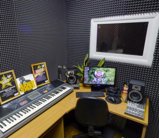 оборудование для студии звукозаписи