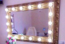 Гримерное зеркало в декоративной раме