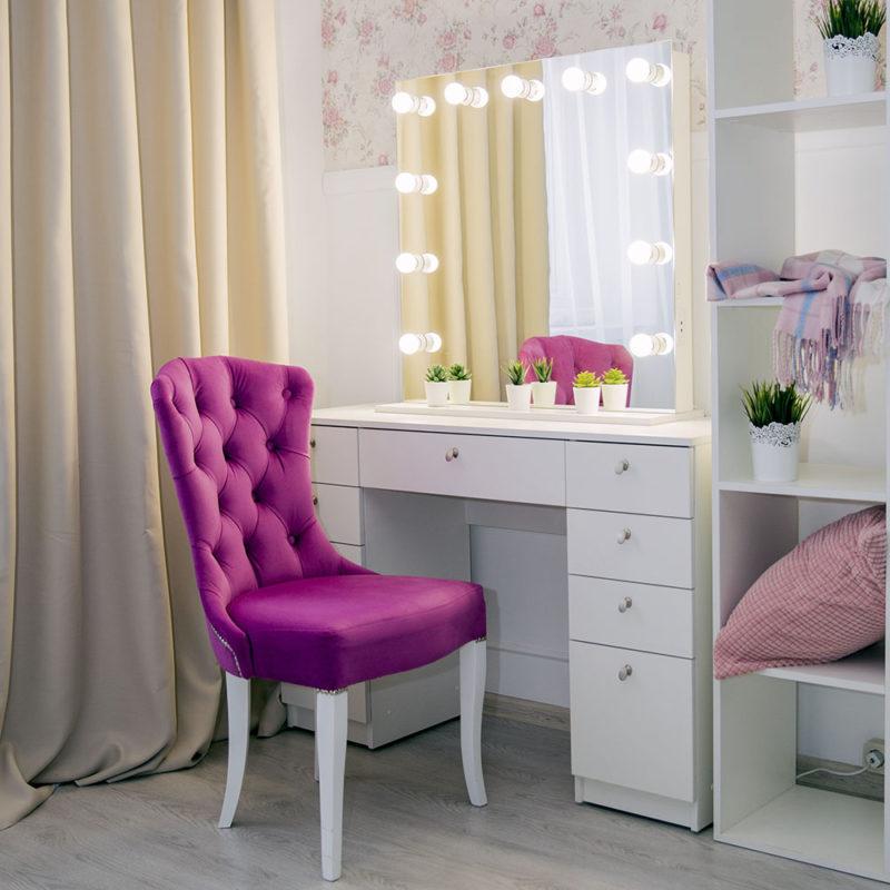 Гримерный столик с зеркалом с подсветкой