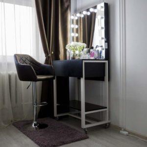 Гримерный столик с зеркалом DERBY